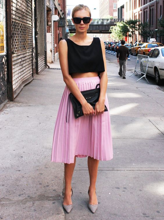 pink-skirt-street