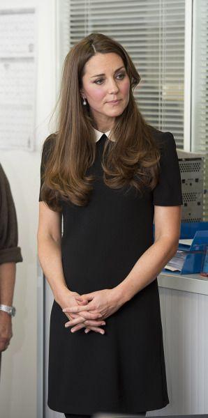 Kate-Middleton-Rochie-Neagra-Guler