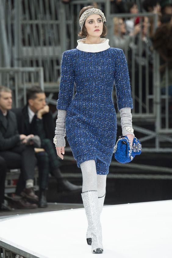 chanel-rochie-albastra