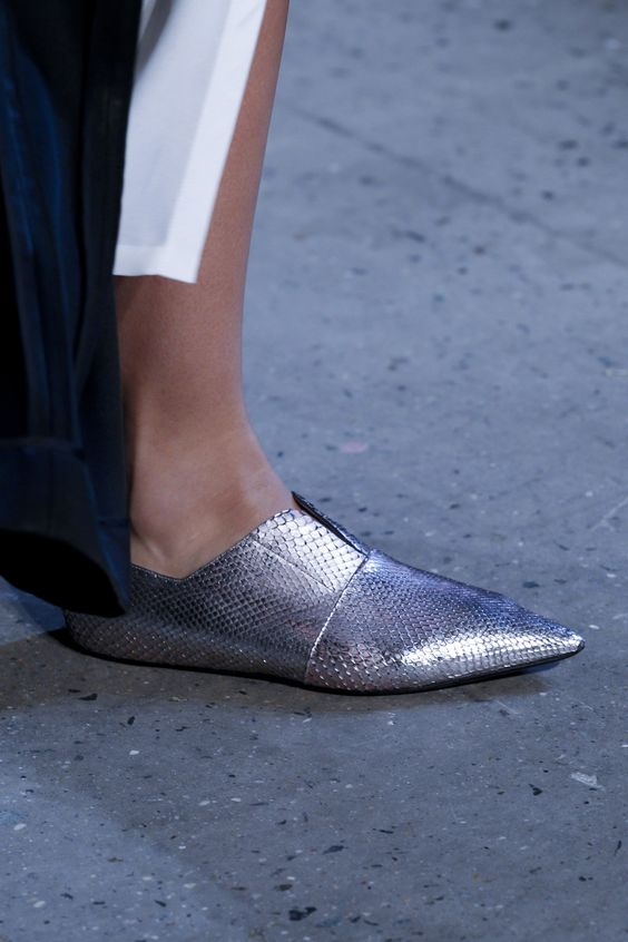 pantofi-argintii-rodriguez