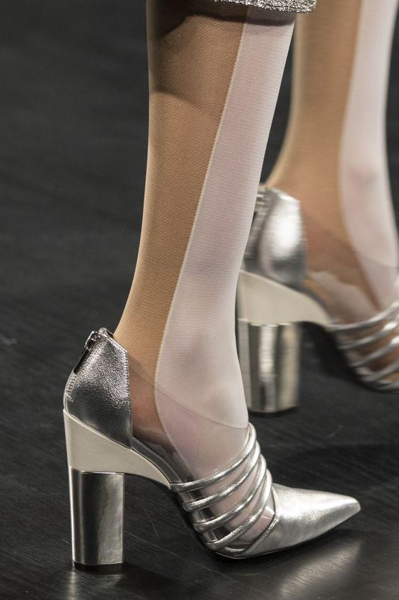pantofi-argintii-prabal