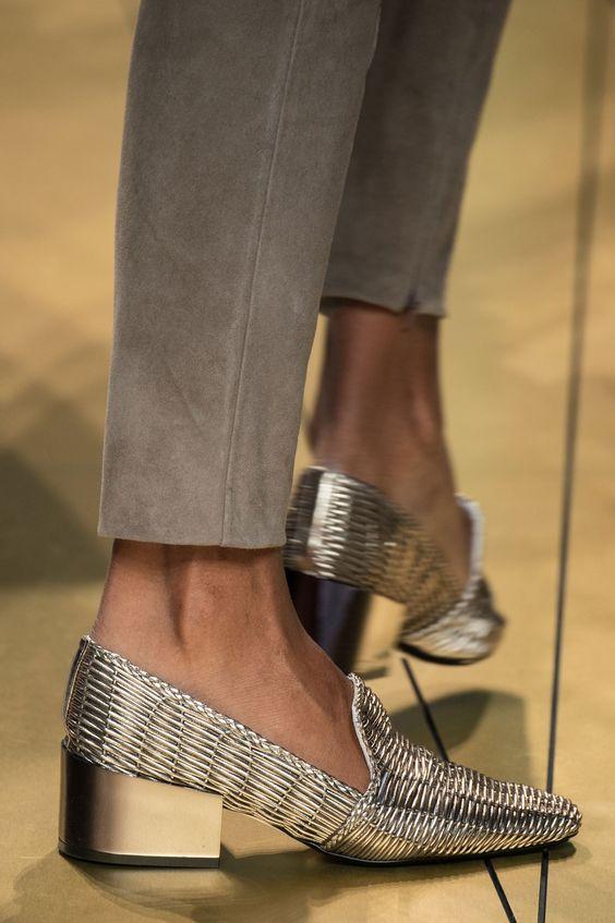 pantofi-argintii-trussardi