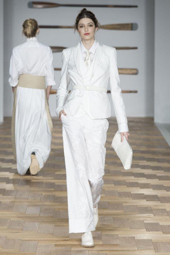 costum-alb-daks