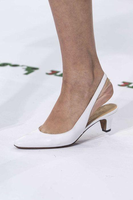 pantofi-toc-jos-lacoste
