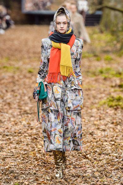 esarfa-colorata-chanel