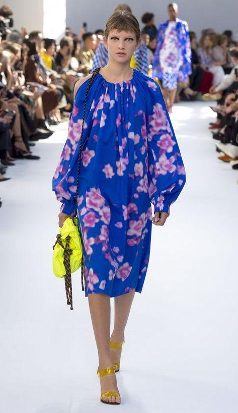 rochie-albastra-flori