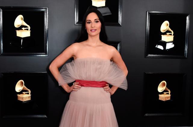 Ce tendinte confirma tinutele celebritatilor la Premiile Grammy