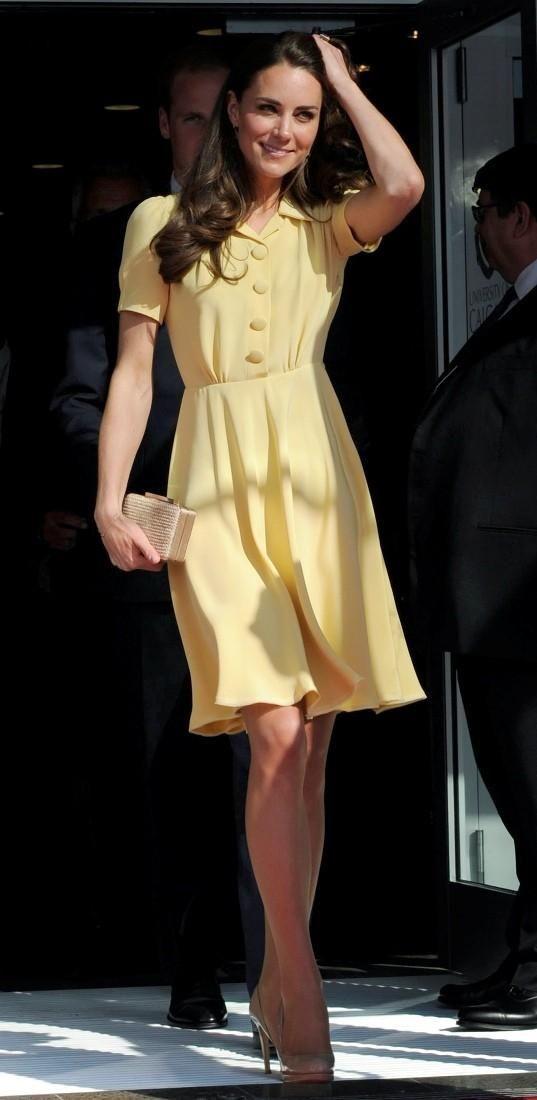 Kate-Middleton-rochie-guler