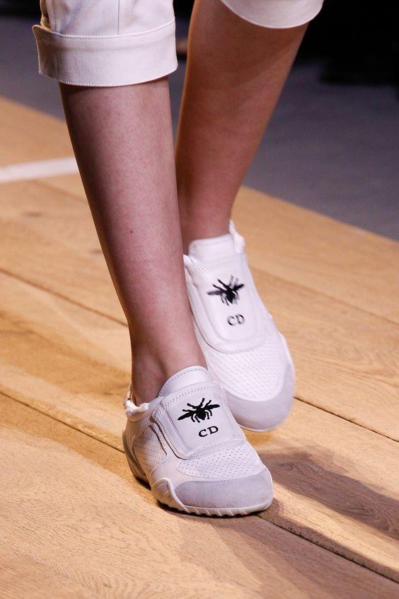 pantofi-albi-dior