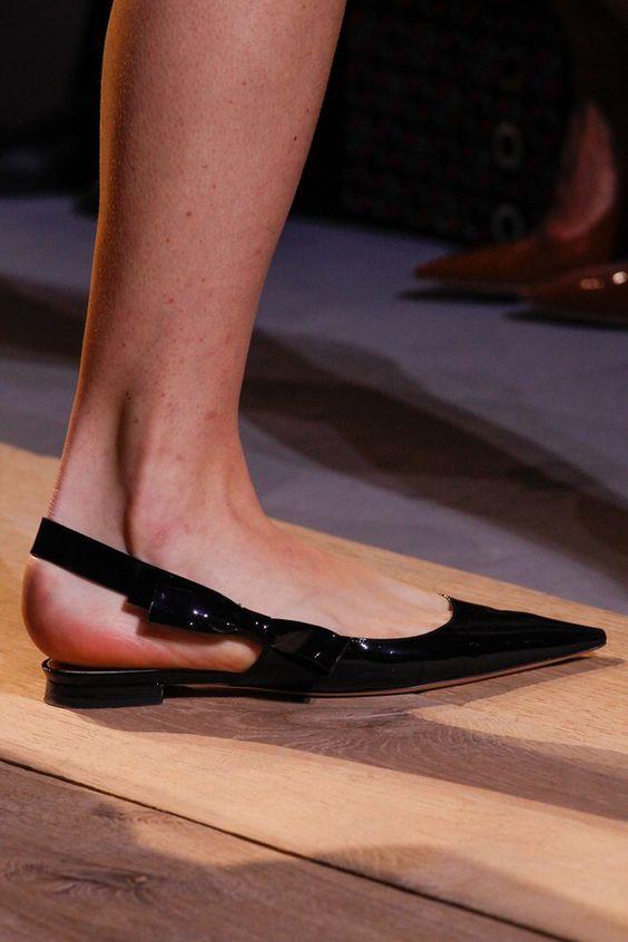 pantofi-varf-ascutit-dior
