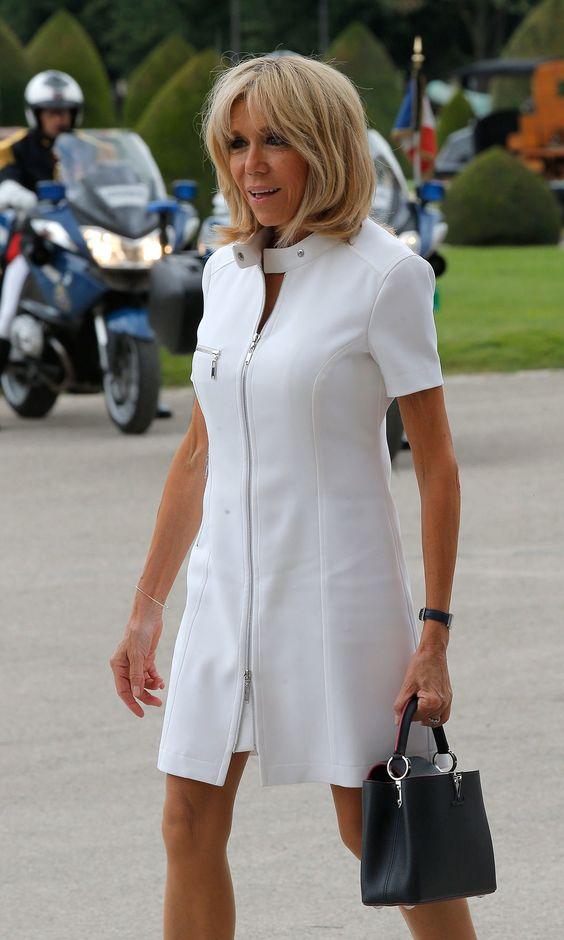Brigitte-Macron-rochie-alba
