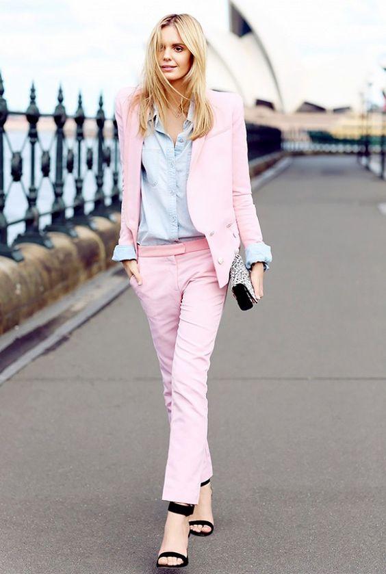 costum-roz-albastru-pastel