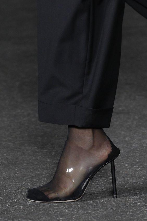 pantofi-transparente-wang