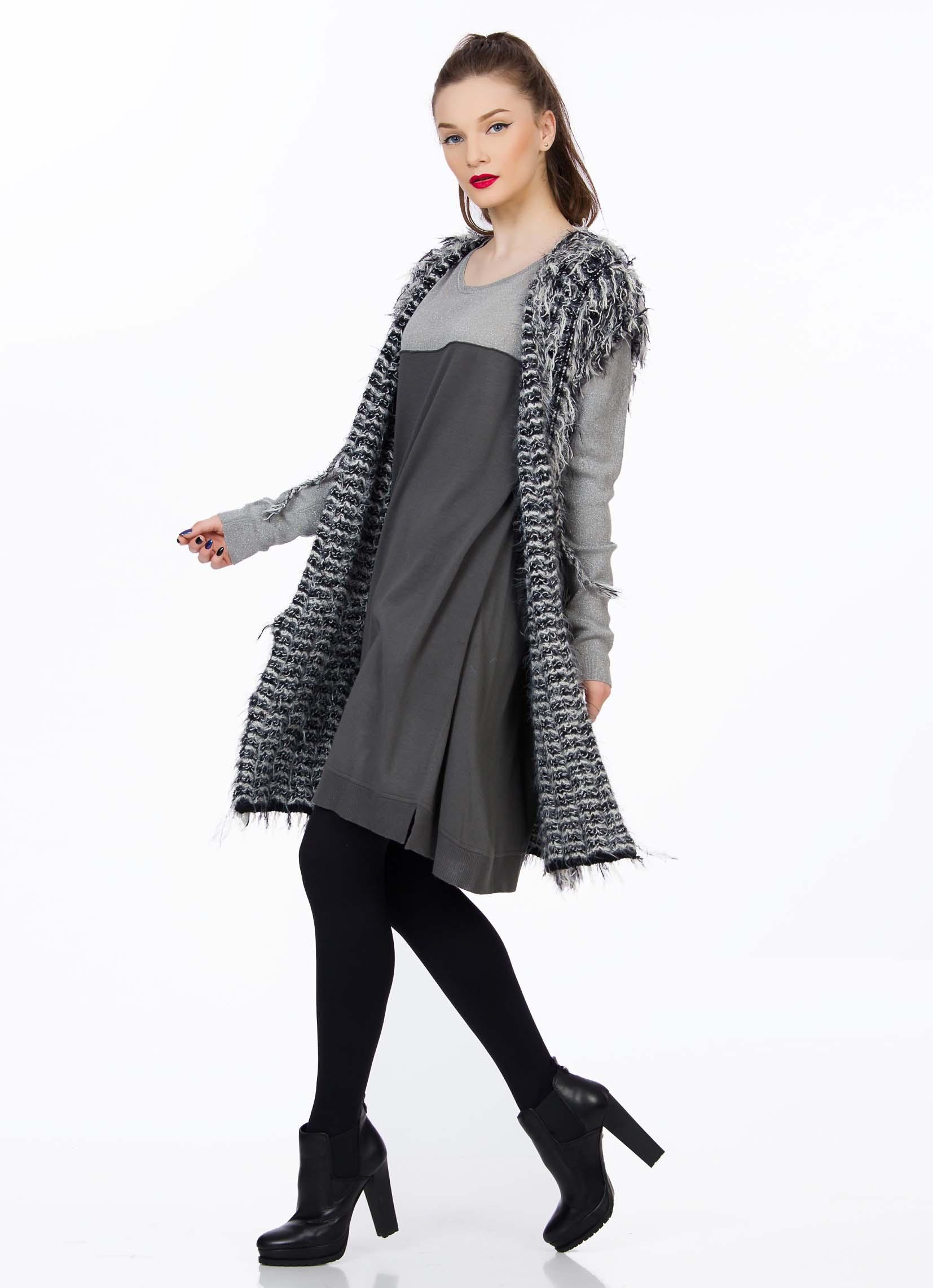 tricot-gri-negru-sense