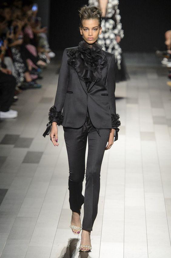 costum-negru-marchesa