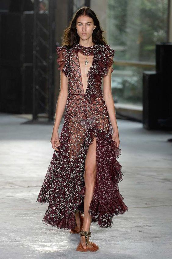 rochie-lunga-volane
