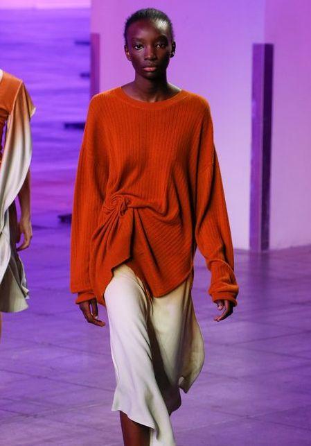 pulover-portocaliu