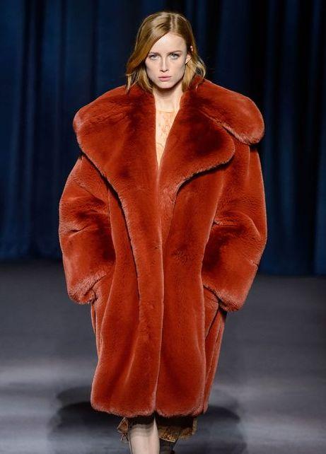 palton-blana-oranj-givenchy