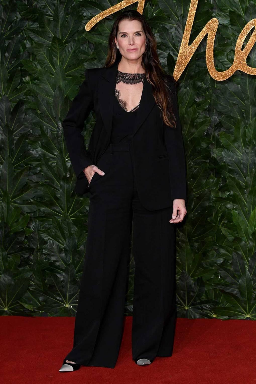 costum-negru-elegant
