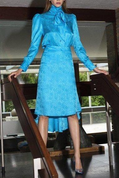 bluza-funda-albastra