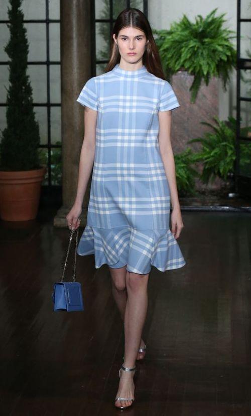 rochie-albastra-carouri