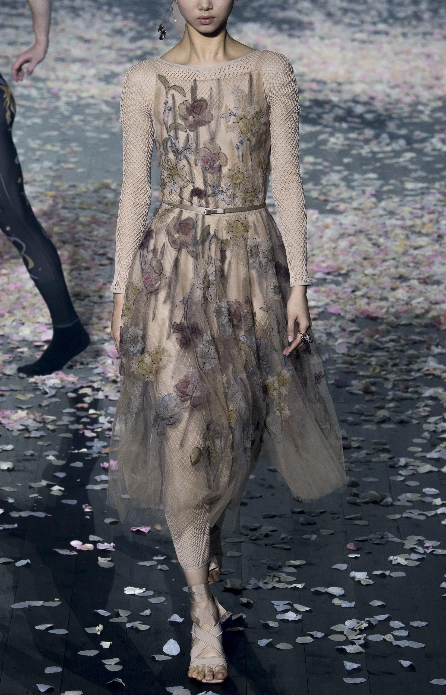 rochie-lunga-bej-flori