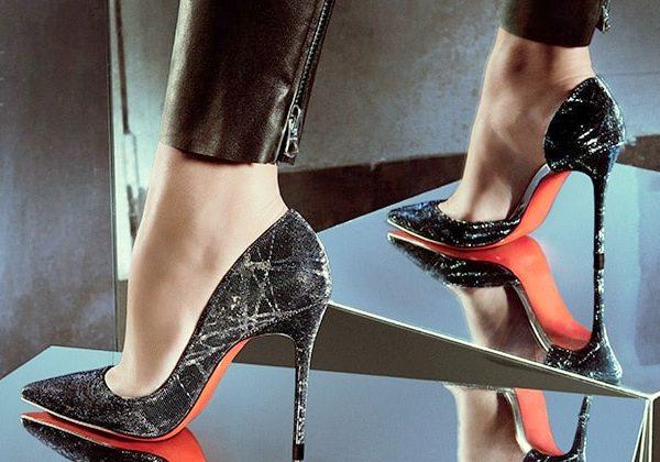 Sandalele verii si la ce outfituri le purtam