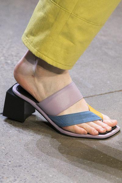 sandale-varf-drept