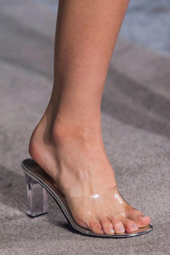 pantofi-transparenti